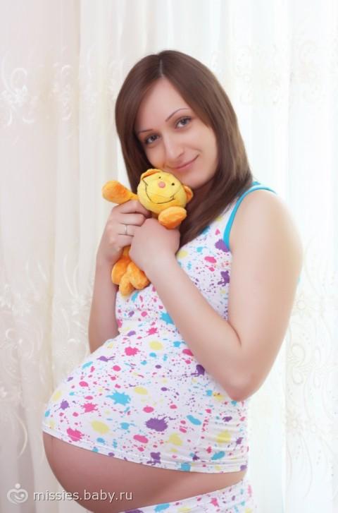 голые девушки беременные 8 месяцев