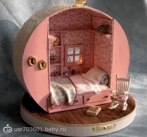 Как сделать маленький домик из коробки для кукол