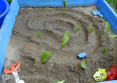 Играем с песком. Идеи, ролевые игры. Много фото. (с шести месяцев до....)