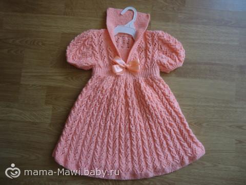 Платье на Новый год доченьке.