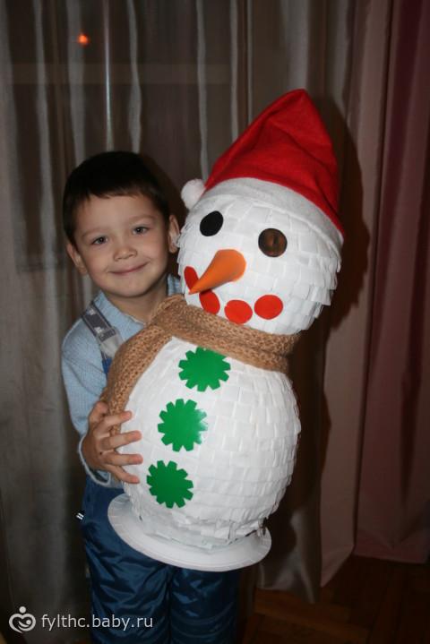 Снеговик из подручных материалов своими руками