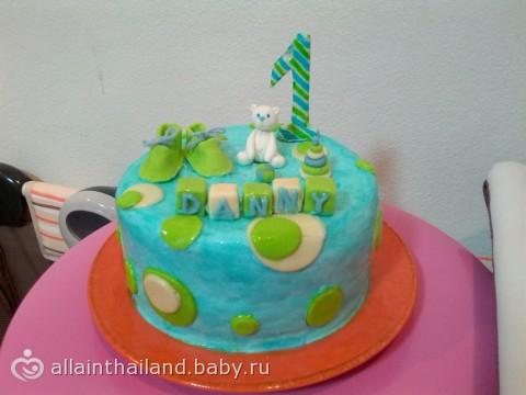 Торт на первый день рождения третья
