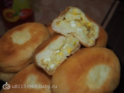 Пирожки с яйцом луком и рисом