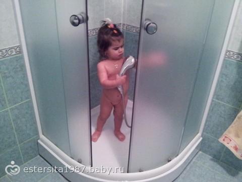 Фото девушек моющихся в душе