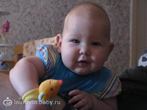 Вот и нам полгодика!!)))