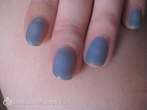 Ногти покрытые гелем с рисунком 31