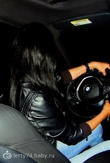 фото брюнеток в автомобиле #10