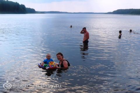 первое купание в озере!