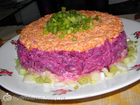 Салат наваждение с селедкой чесноком и сыром