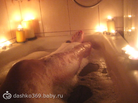 Жирная мастурбирует в ванне сайтец